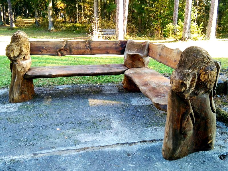 Koprapink / Bench with beavers 19